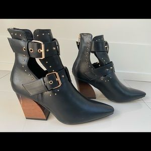 NASTY GAL - Bootie Heels (with pointed toe)